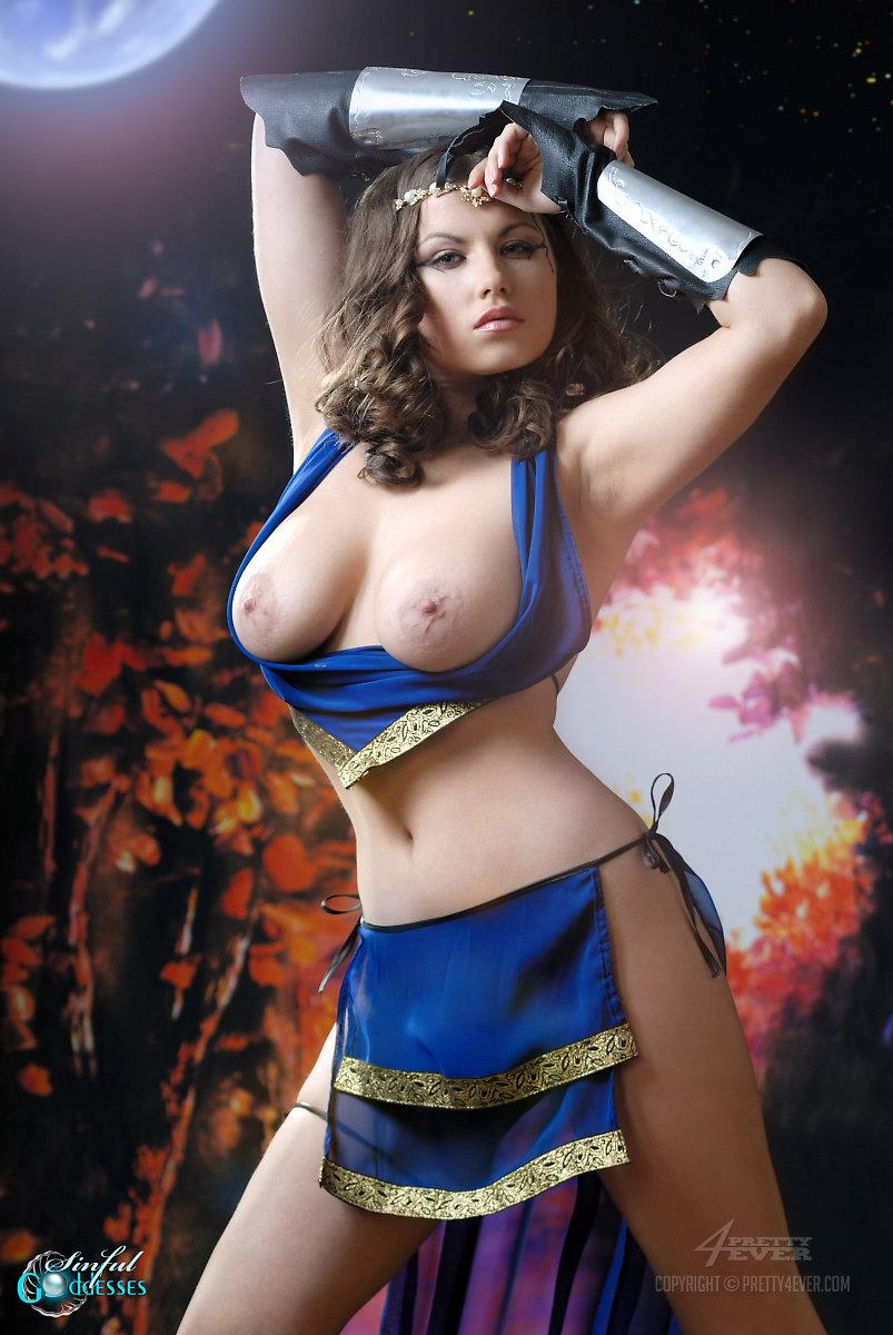 Female warrior nude oral — img 2