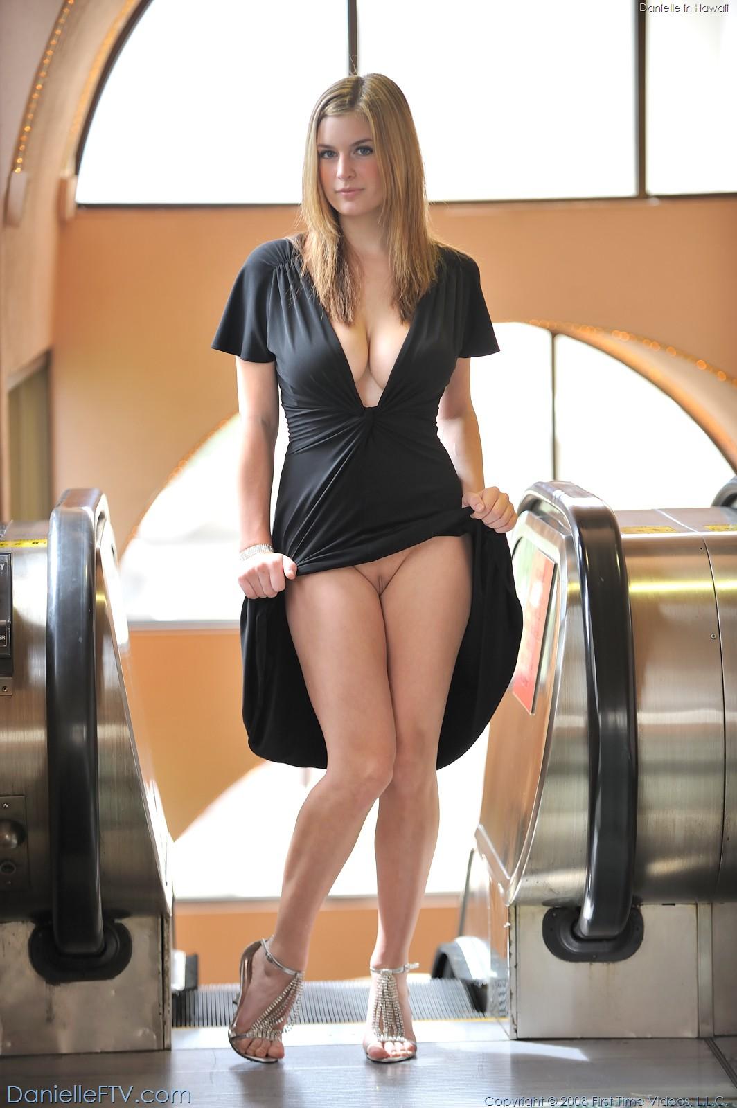 Фото порно женщин в платьях